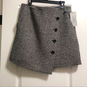 Brand new Karen Millen assymetric skirt in size 10